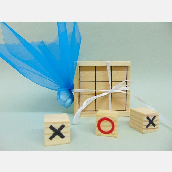 Μπομπονιέρα βάπτισης παιχνίδι ξύλινη τρίλιζα