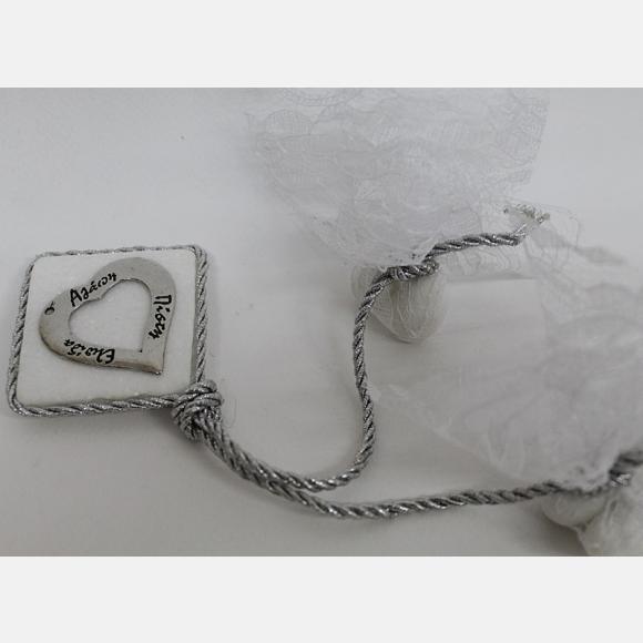 Μπομπονιέρα γάμου πέτρα με μεταλλική καρδιά ασημί με ευχές